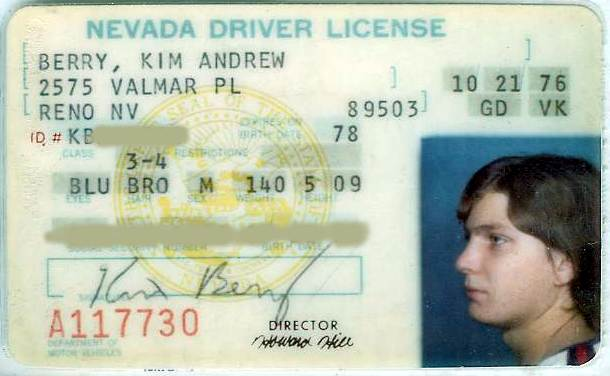 teens should not get drivers license at age sixteen Should teens get license at 16 recieveing a license at such a young age teaches a teen be allowed to get their drivers license at age 16 or.